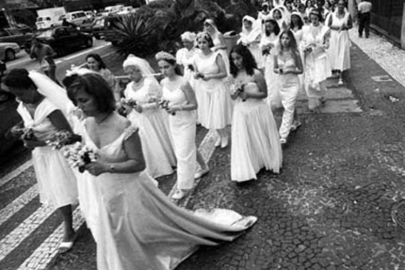 Beth Moysés: Originales formas de manifestación ciudadana