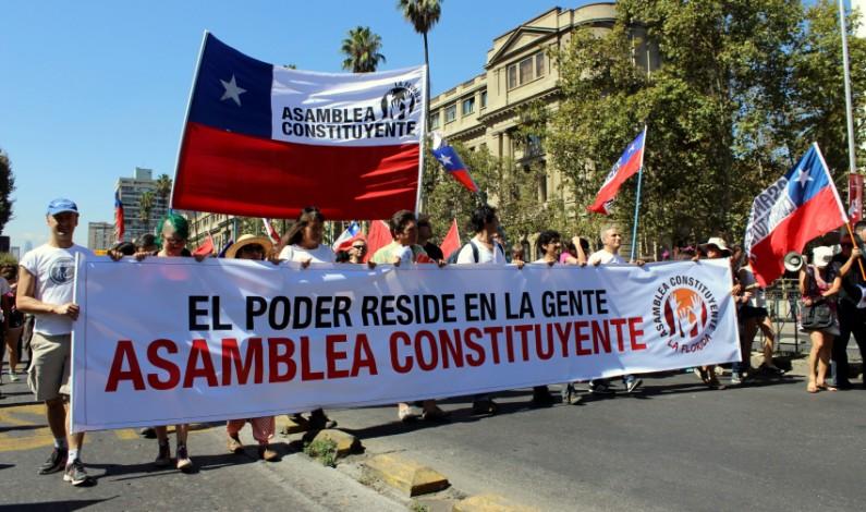 Las brutales tensiones del derrumbe de los políticos en Chile