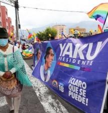 Las varias caras progresistas en campaña sucia contra el candidato indígena del Ecuador